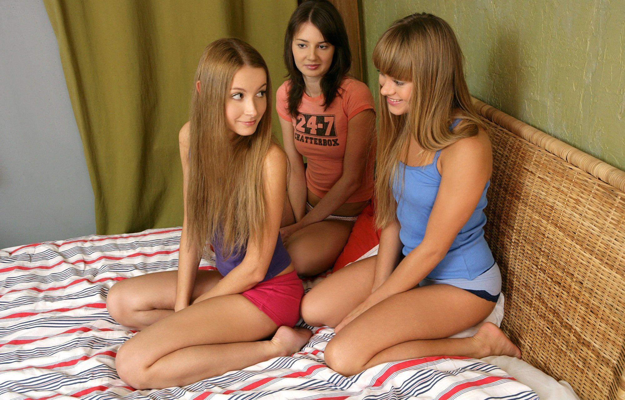 Lésbicas Novinhas na Putaria