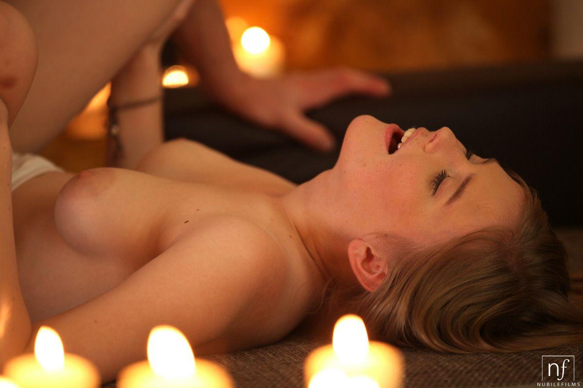 фото страстный массаж при свечах - 11
