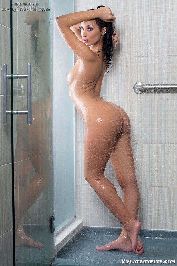 hot-bathroom-girl