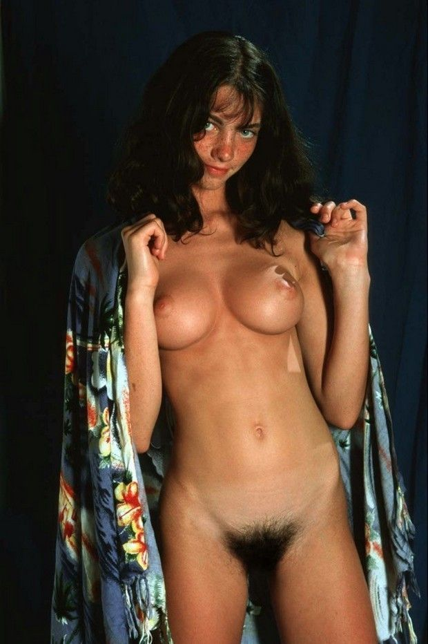 Mulheres-gostosas-da-buceta-cabeluda-20