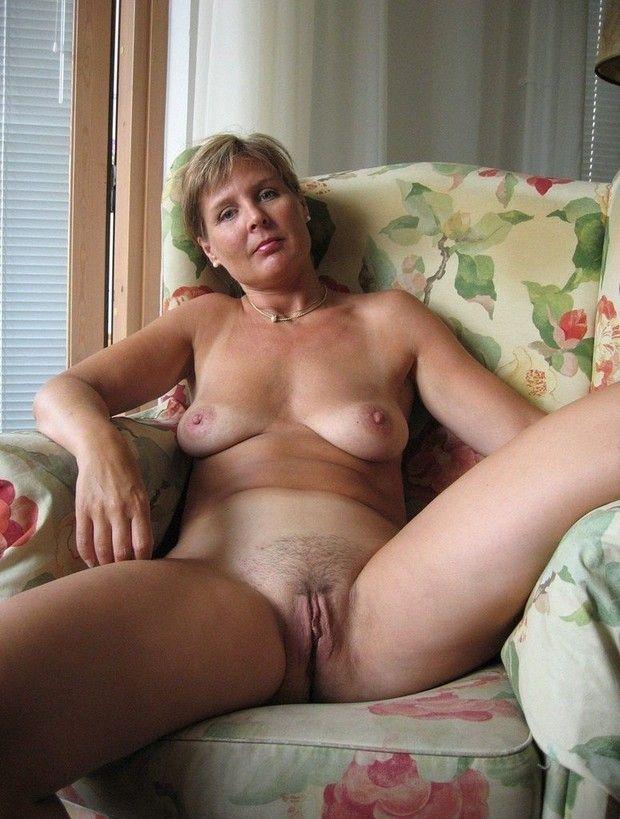 Mulheres-gostosas-da-buceta-cabeluda-34