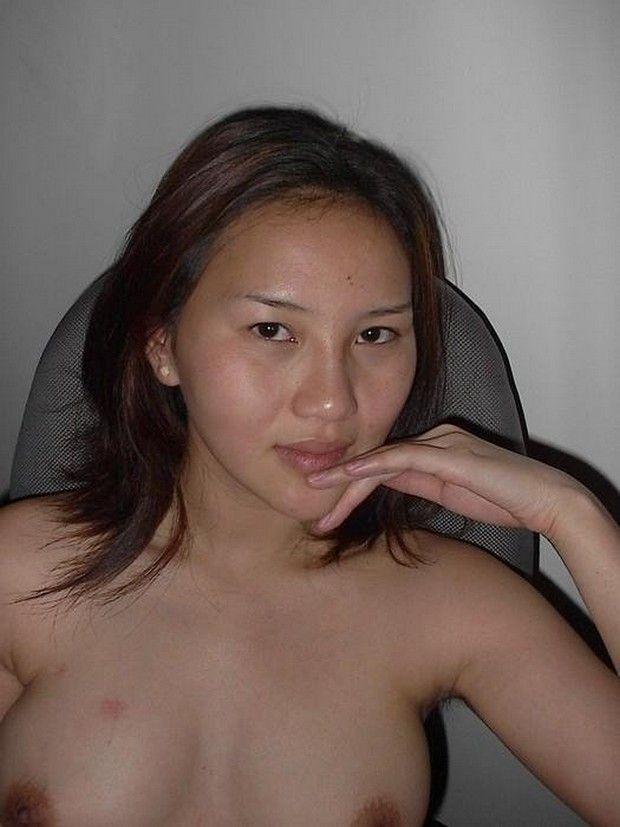 Asiática Amadora Caiu na Net Transando Com Namorado