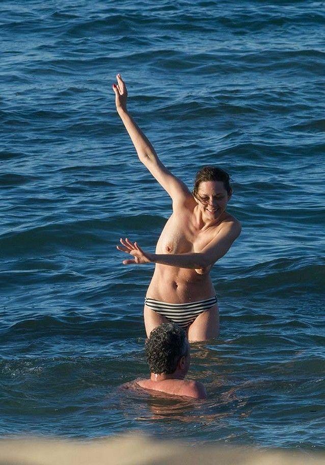 marion-cotillard-fazendo-topless-6