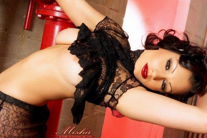 moreninha-sexy-mostrando-sua-linda-bucetinha-peluda-5