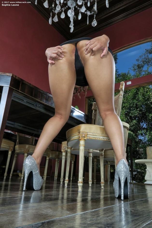 Fotos de Morena Bucetuda se Masturbando com Vibrador