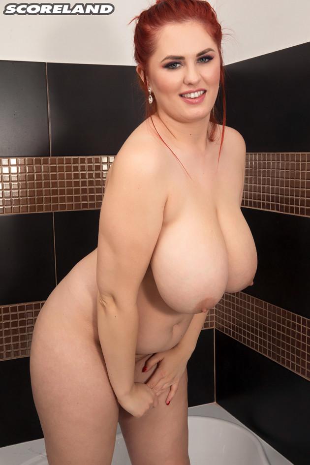 Alexsis Faye Pelada