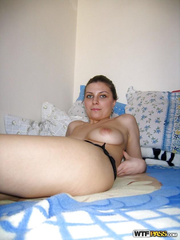 Amadora de Olhos Azuis Caiu na Net Pelada no Motel