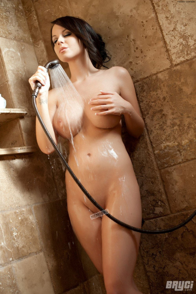 erotic-stories-hot-girls-in-showers-bitches-kandice-mature