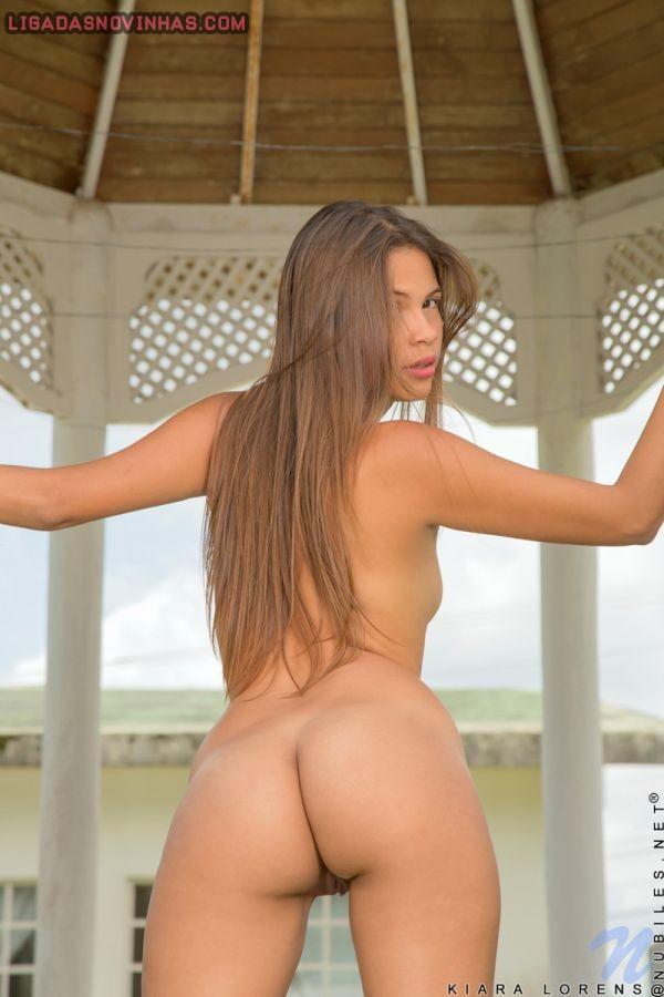 Novinha linda de 18 aninhos pelada